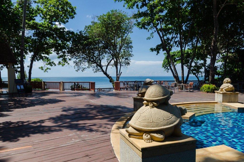 Crown Lanta pool