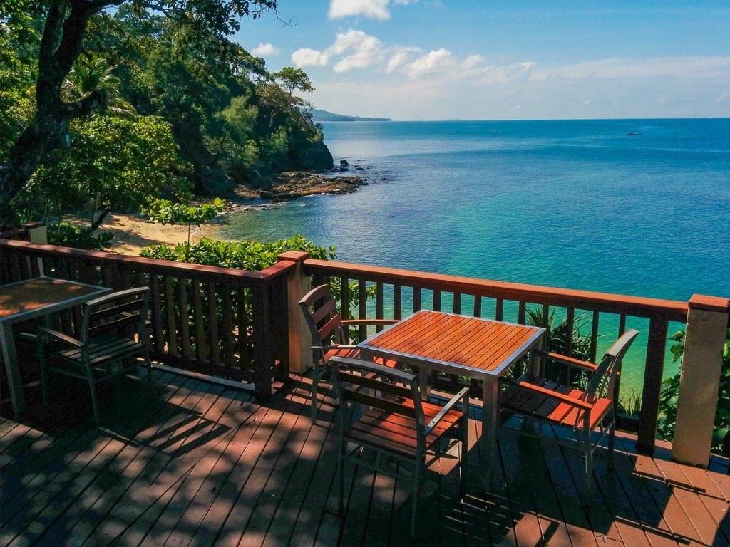 Crown Lanta private beach