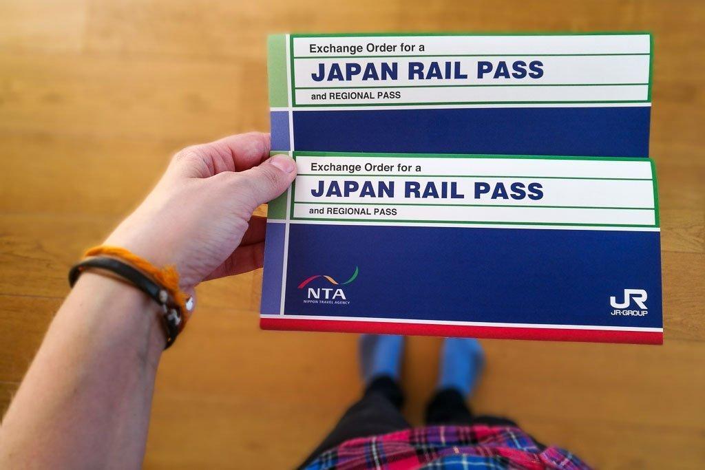"""Japan Rail Voucher Pass """"width ="""" 1024 """"height ="""" 683 """"srcset ="""" https://www.22places.com/wp-content/uploads/2019/02/japan-railpass-2.jpg 1024w, https: / /www.22places.com/wp-content/uploads/2019/02/japan-railpass-2-700x467.jpg 700w, https://www.22places.com/wp-content/uploads/2019/02/japan- railpass-2-350x233.jpg 350w, https://www.22places.com/wp-content/uploads/2019/02/japan-railpass-2-175x117.jpg 175w """"tailles ="""" (largeur maximale: 1024 px) 100vw, 1024px"""