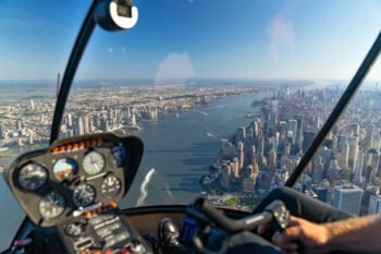 New York helicopter tour: costs, experiences & best offers