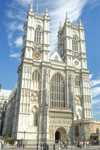 Photo of the beautiful white-washed western facade of Westminster Abbey.